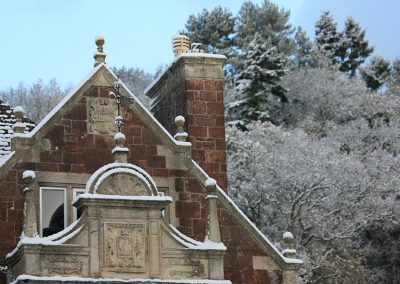 snow-on-knowle-manor